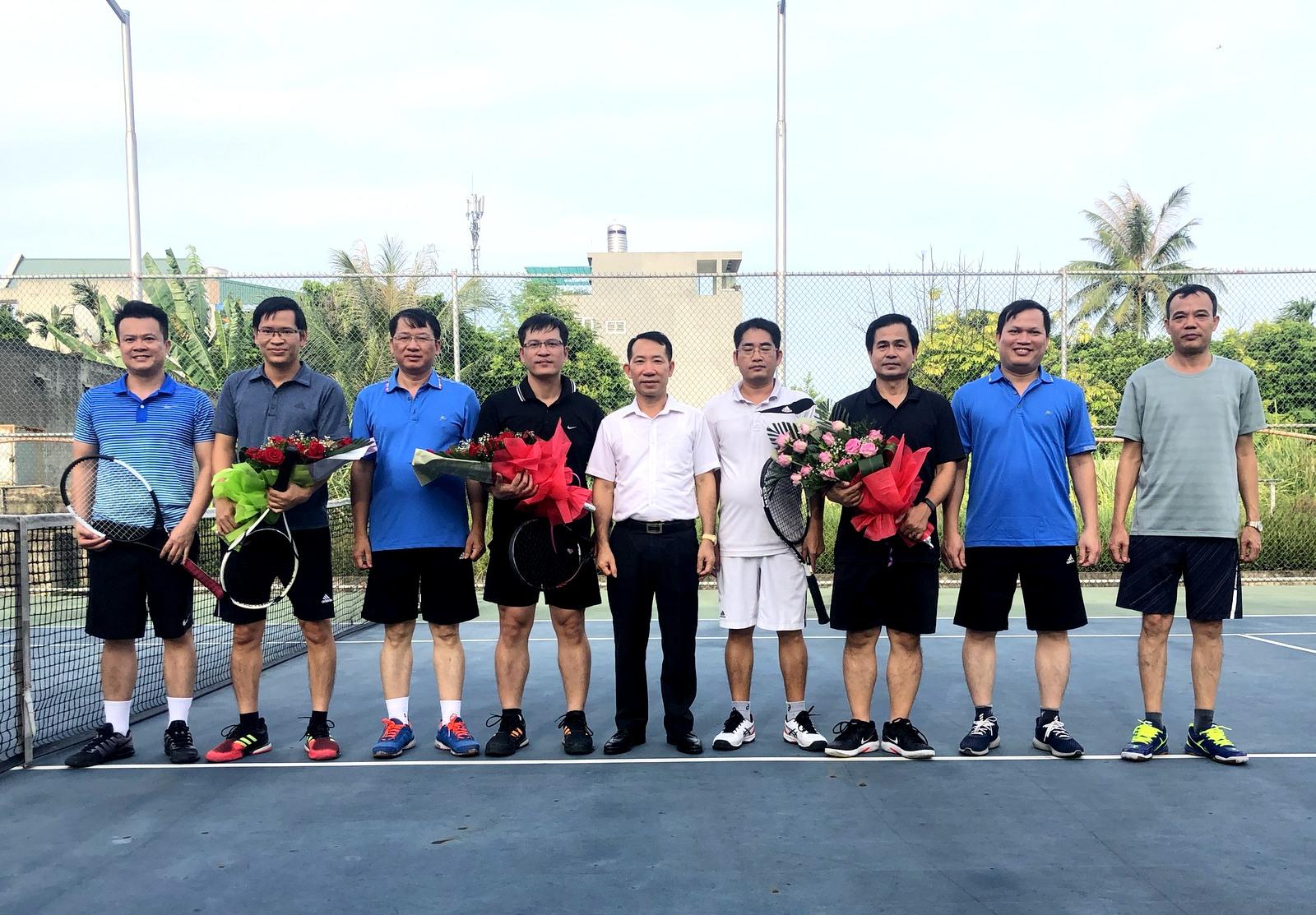Tổ chức giao hữu thể thao giữa Công ty CP VT&CB than Đông Bắc và Công ty nhiệt điện Mông Dương.